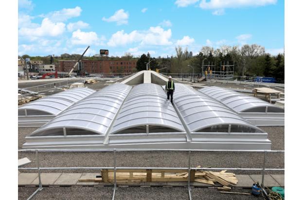Large vertical end barrel vault Skylight