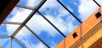 Pyramid Continuous Architectural Structural Glass Flat Roof Skylight with Gable End